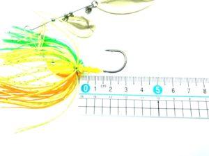 ビーブルのフック部分を計測している画像